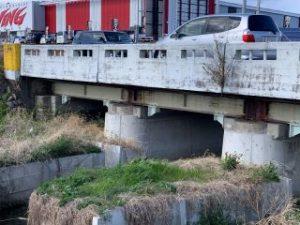 県道玉城橋橋脚